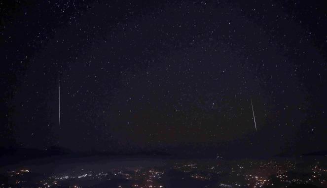Hujan Meteor Geminid di Belahan Dunia