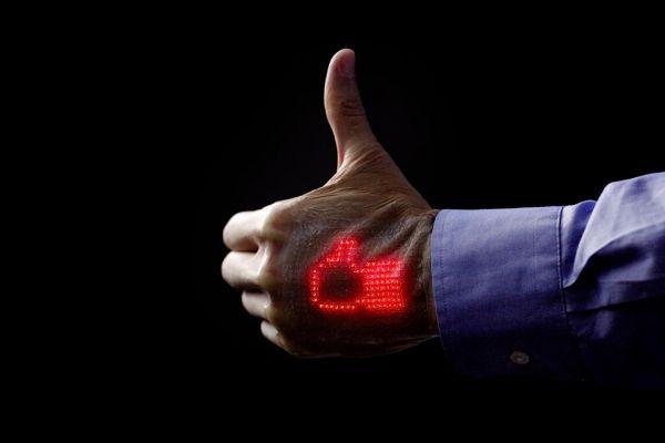 Sebuah Tim di Jepang Ciptakan Layar LED Tipis Yang Bisa Dikenakan di Kulit