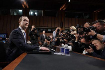 Jangankan Kamu, Data Pribadi Bos Facebook juga Dicuri Cambridge Analytica