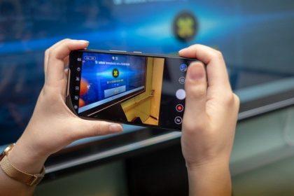Asus ROG Phone, Handphone Khusus Gaming Kompetitor Razer Dan Xiomi Black Shark