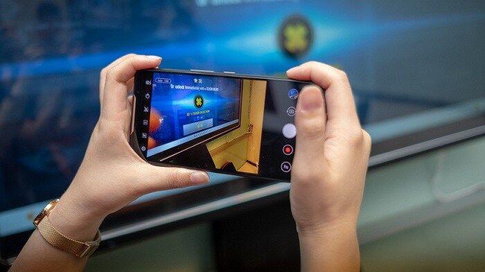 asus rog phone ponsel khusus gaming pesaing razer dan xiomi black shark Asus ROG Phone, Handphone Khusus Gaming Kompetitor Razer Dan Xiomi Black Shark
